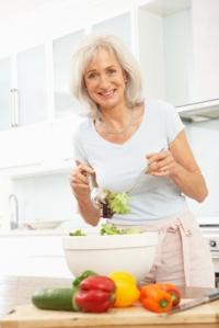 Une nutritionniste de Nutrition-Québec, vous donne ses trucs pour la gestion du poids à la ménopause.
