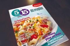 Diététiste Charlotte Geroudet avec le magazine 5-15